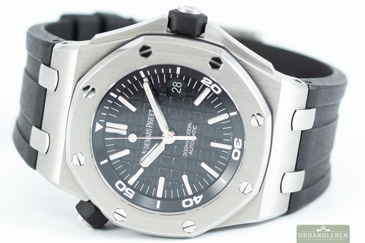 Audemars Piguet Royal Oak Offshore Diver, 42mm